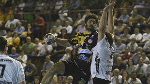 Sebastián Simonet, en un partido de la fase de grupos de la Liga de...