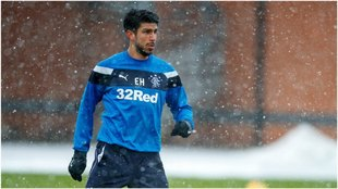 Lalo Herrera, en un calentamiento del Rangers.