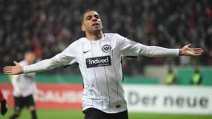 Omar Mascarell celebra un gol.