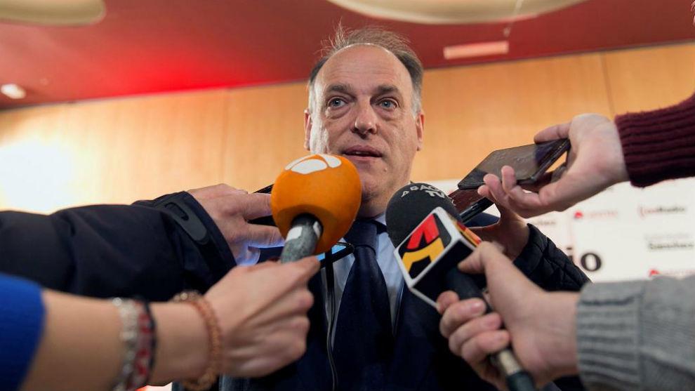 Javier Tebas atiende a los medios en un acto reciente.