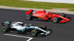 Bottas y Vettel, durante la segunda jornada de test
