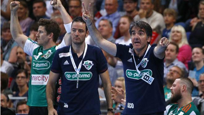 Antonio Carlos Ortega e Iker romero, durante un partido de la...