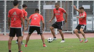 Jugadores de River Plate en un entrenamiento.