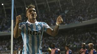 Lautaro Martínez celebrando uno de sus goles