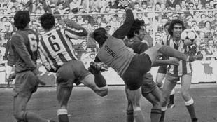 Atlético-Barcelona 1980-81. Gol de Marcos Alonso