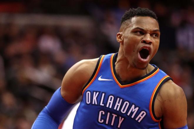 Russell Westbrook celebra una canasta de los Oklahoma City Thunder