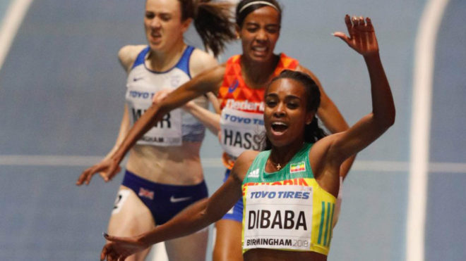 Genzebe Dibaba celebra su victoria,