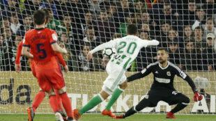 Moyá salvó a la Real en la primera mitad