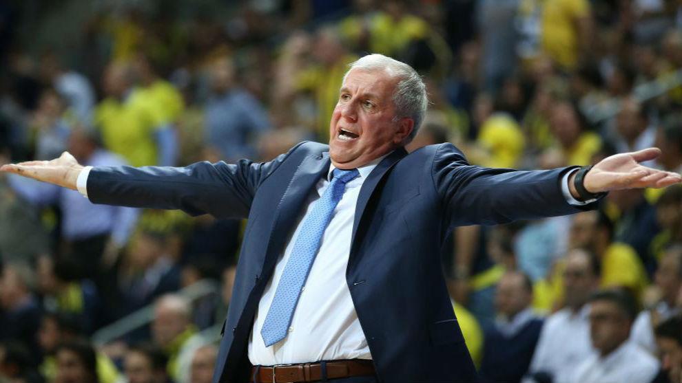 Zelkjo Obradovic gesticula durante el partido de ida contra el Real...