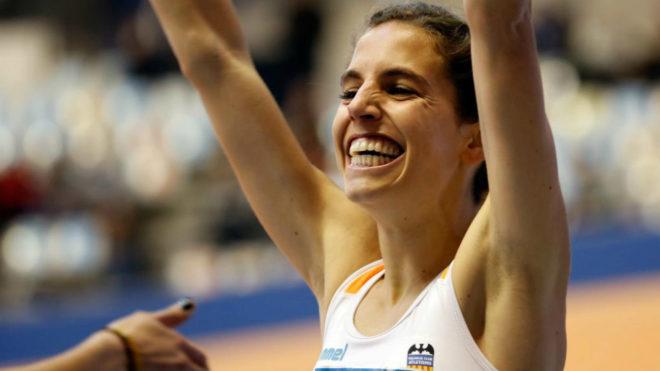 Marta Pérez tras ganar los 1.500 en el Campeonato de España indoor...