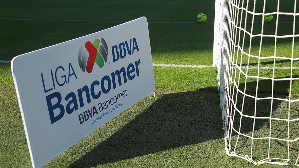 Portigol en el Estadio Corona previo al partido entre Santos y Cruz...