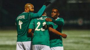 Los jugadores del Red Star celebran un gol.