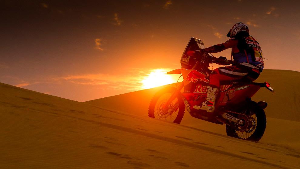 Sam Sunderland (KTM) en el desierto peruano