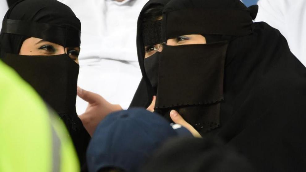 Mujeres saudíes antes de una prueba deportiva
