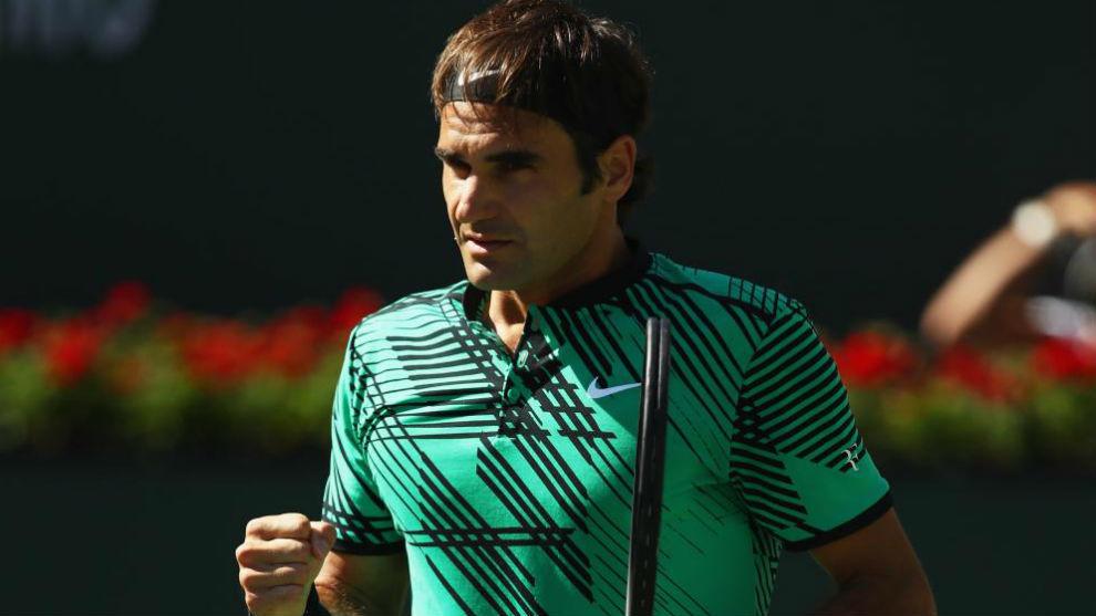 Federer levanta el puño