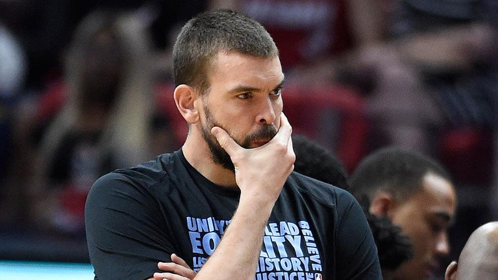 Marc Gasol pensativo durante un partido de los Grizzlies