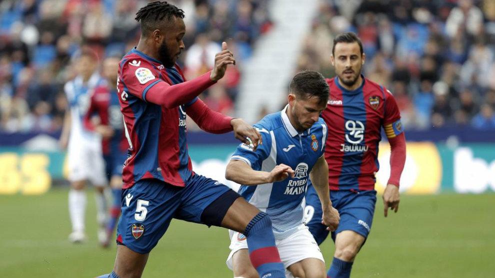 Doukouré dice adiós a la temporada por un esguince de rodilla