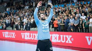 Ivanisevic celebra la victoria y el pase a octavos con el Skjern