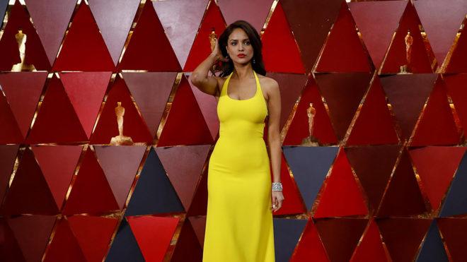 Eiza González Responde A Los Memes Por Su Vestido En La Gala