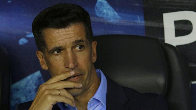 Gustavo Díaz fue expulsado en el duelo ante Pumas.