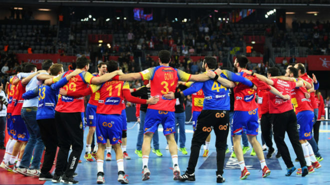 La selección española celebra el oro en el pasado Europeo disputado...