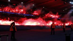 El humo obligó a parar el partido