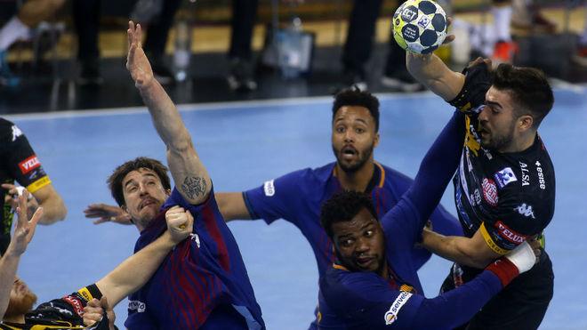 Juanjo Fernández, en una acción en el partido contra el Barcelona en...