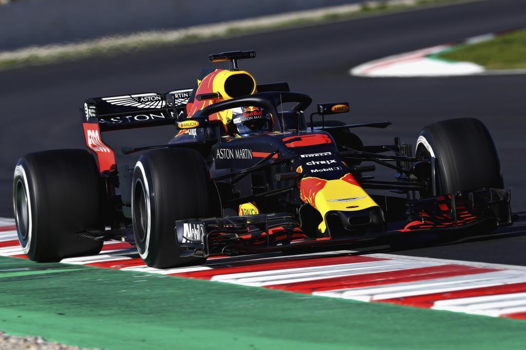 El McLaren deja tirado a Alonso en el Circuito de Barcelona