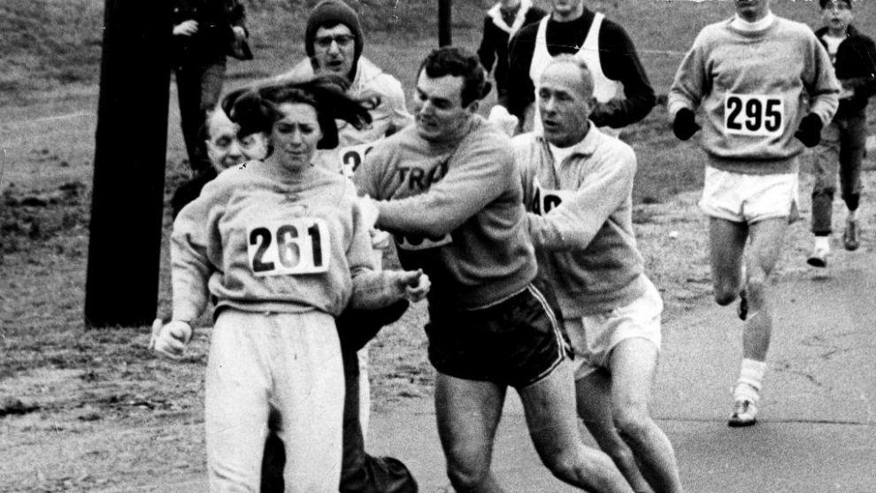 Kathrine Switzer durante el maratón de Boston de 1967.