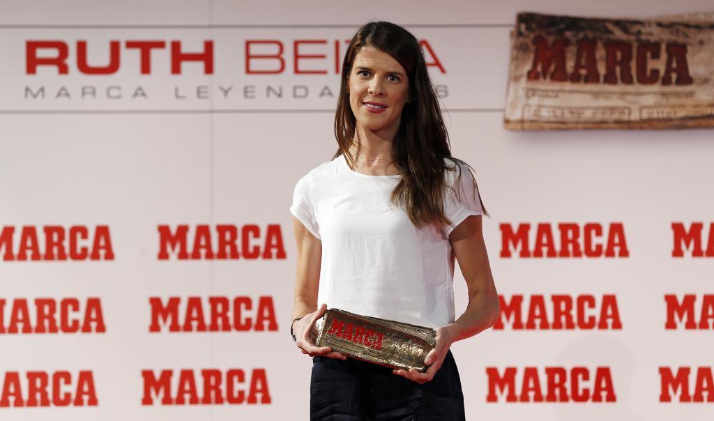 Ruth Beitia posa con el MARCA Leyenda.