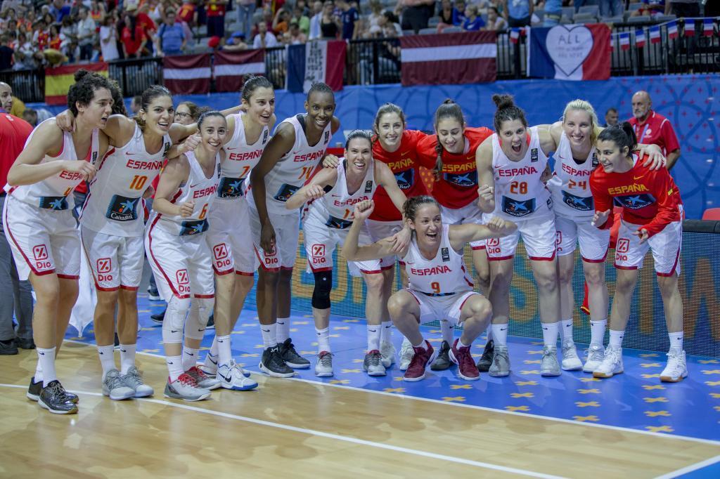 Selección femenina de baloncesto.