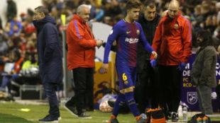 Denis Suárez se retira lesionado
