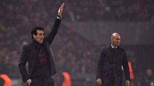 Emery durante el partido ante el Real Madrid en París