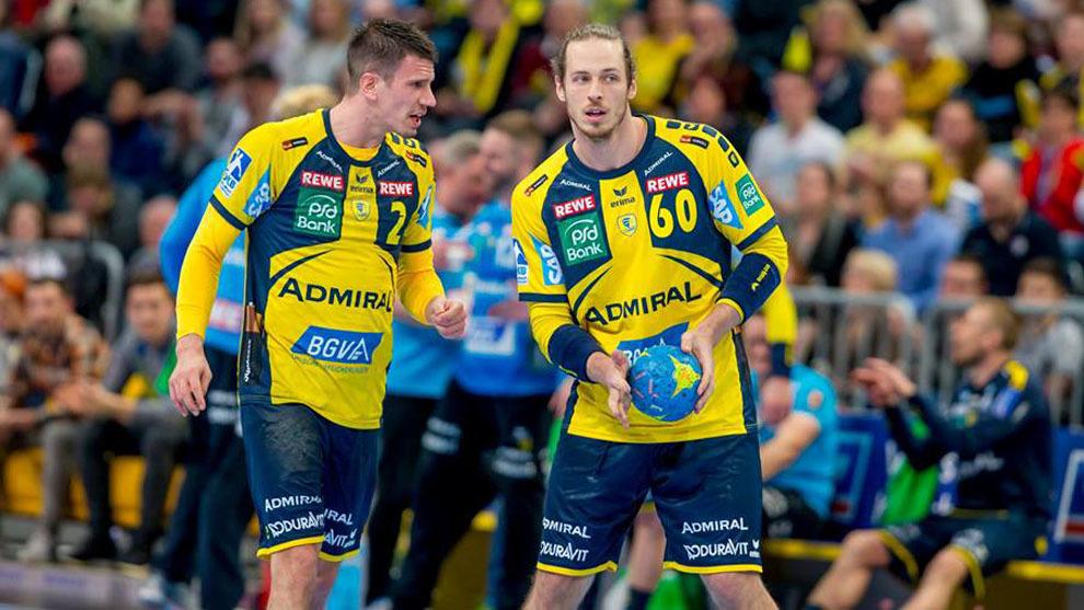 Andy Schmid y Du Rietz durante el partido ante el Leipzig