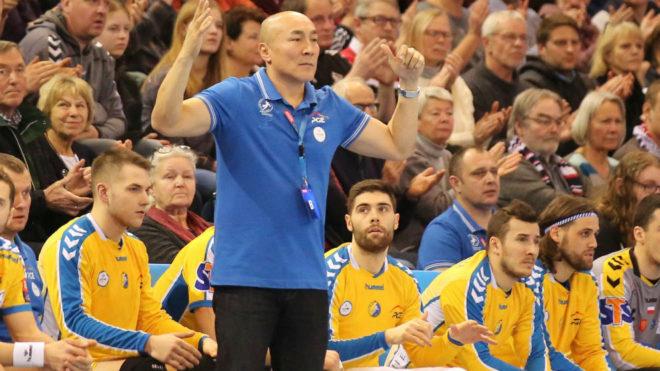 Talant Dujshebaev, entrenador del Kielce, en un partido reciente de la...