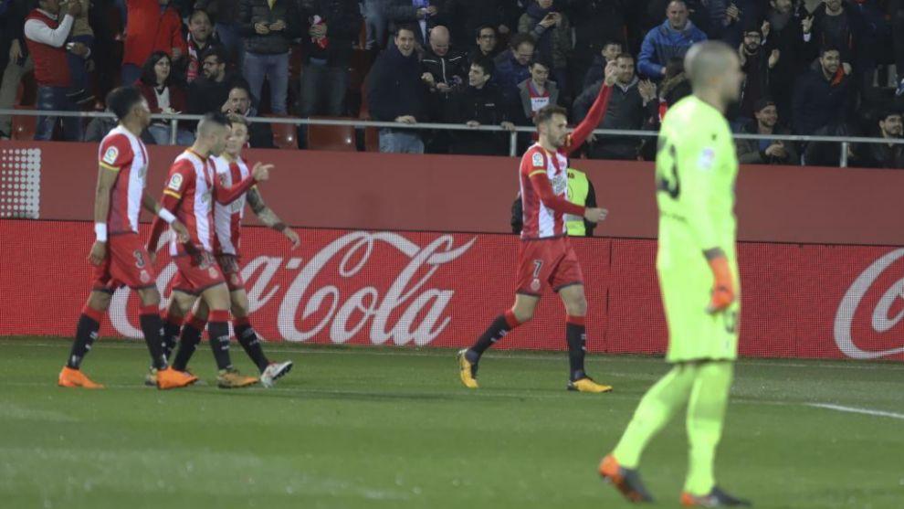 El Girona celebra el primer gol de Stuani