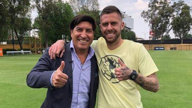 Iván Zamorano posa con Jérémy Ménez