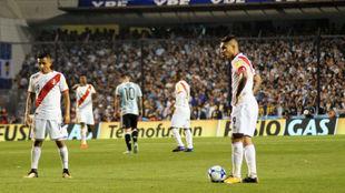 La selección de Perú en un partido contra Argentina.