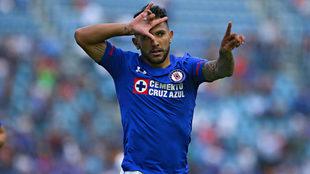 Walter Montoya festejando su gol