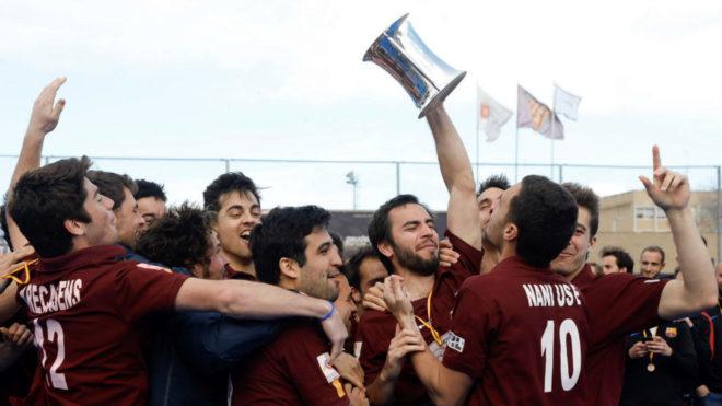Los jugadores del Club Egara celebran su victoria.