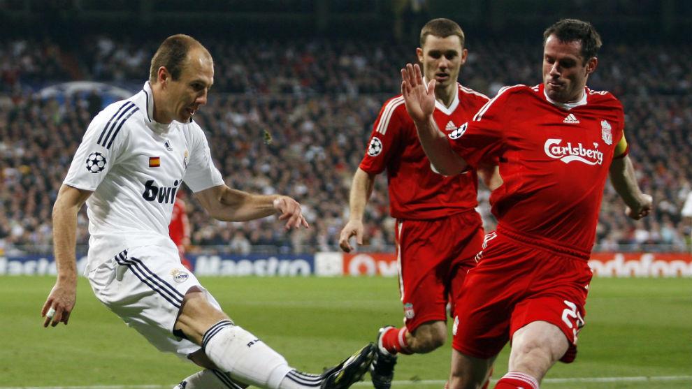 Carragher, excentral del Liverpool, durante un partido frente al Real...