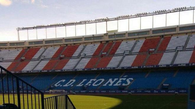 Aspecto de la grada del Calderón durante el rodaje.