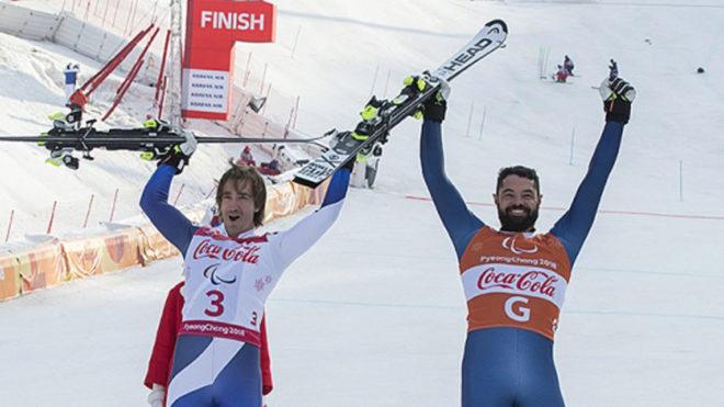 Jon Santacana y Miguel Galindo celebran la plata en supercombinada