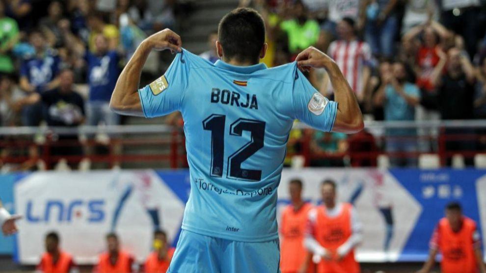 Borja Díaz celebra un tanto con Movistar Inter