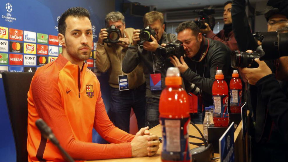Busquets en rueda de prensa previa al partido de Champions.