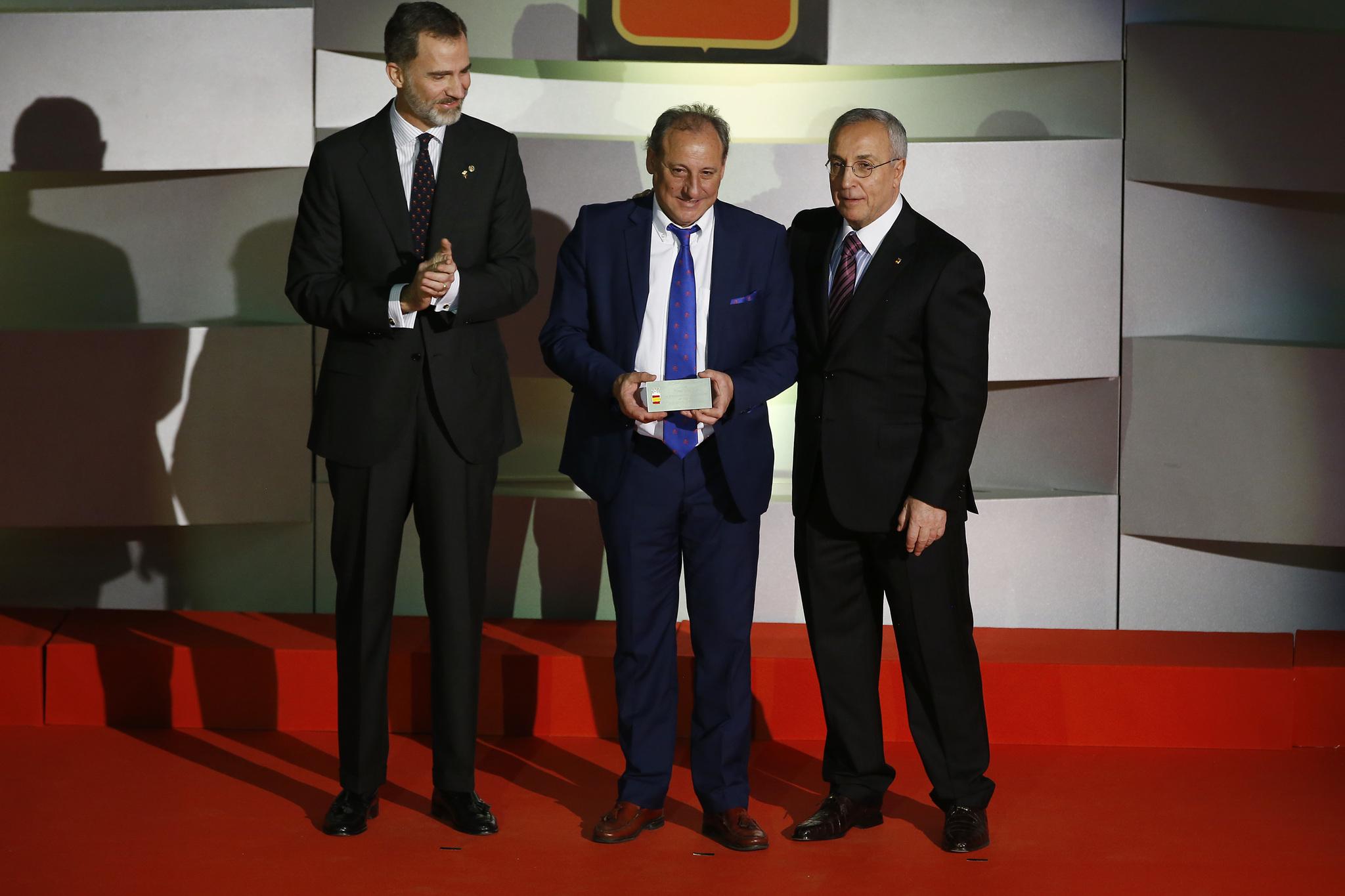 Felipe VI, Fermín Cacho y Alejandro Blanco.