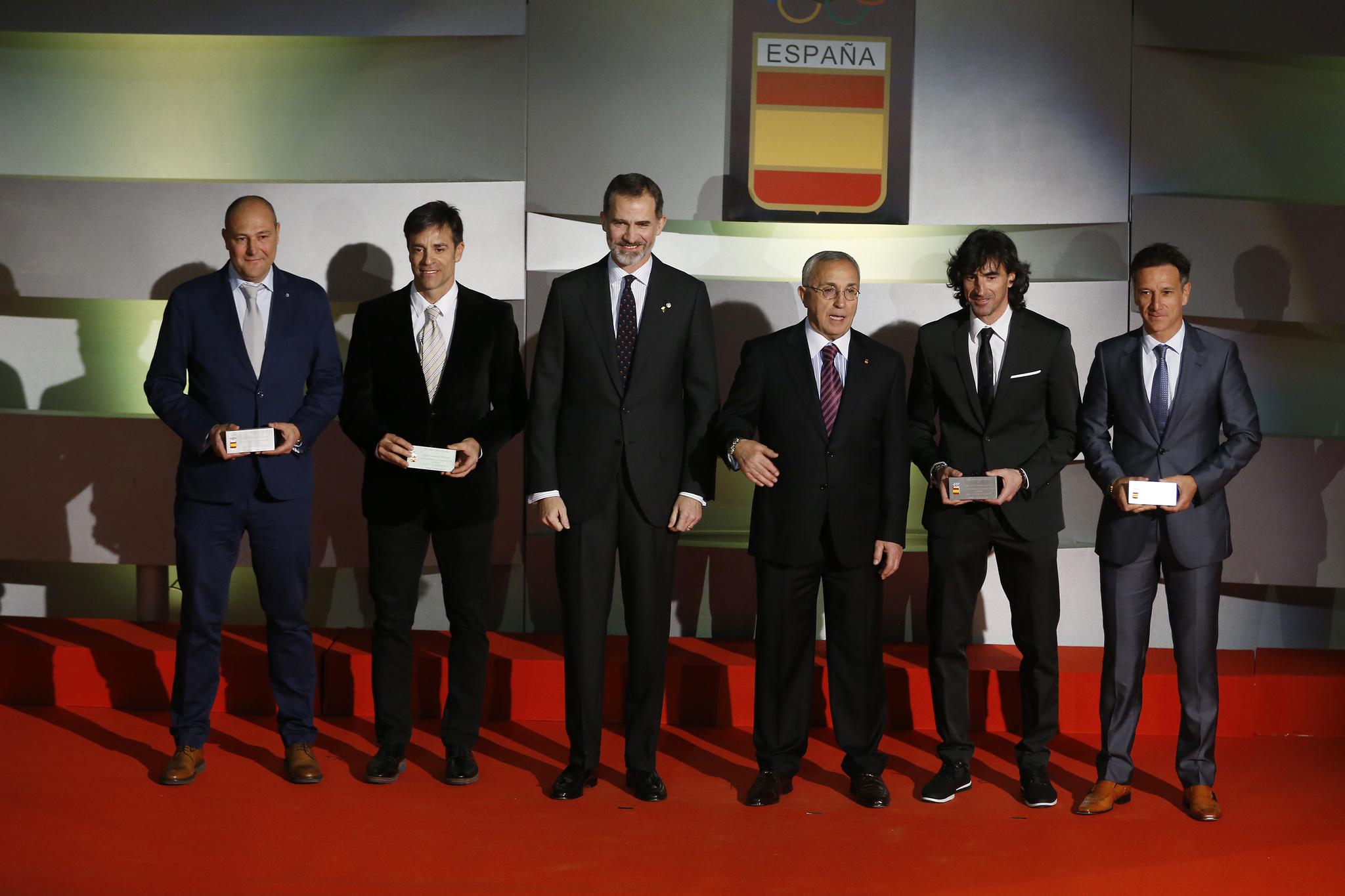 Los integrantes de la selección española de fútbol en Barcelona 92.