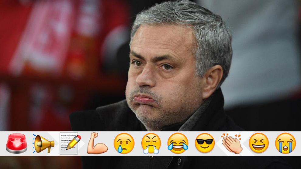 Mourinho durante el Manchester United vs Sevilla