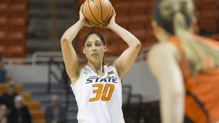 María Castro en un partido con Oklahoma State.