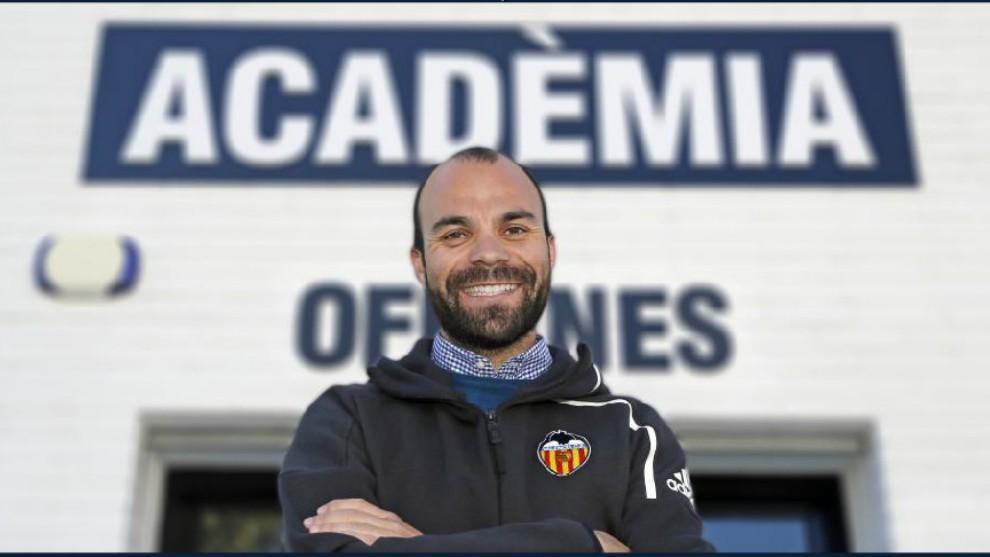 Luis Vicente Mateo, director de la Academia del Valencia.